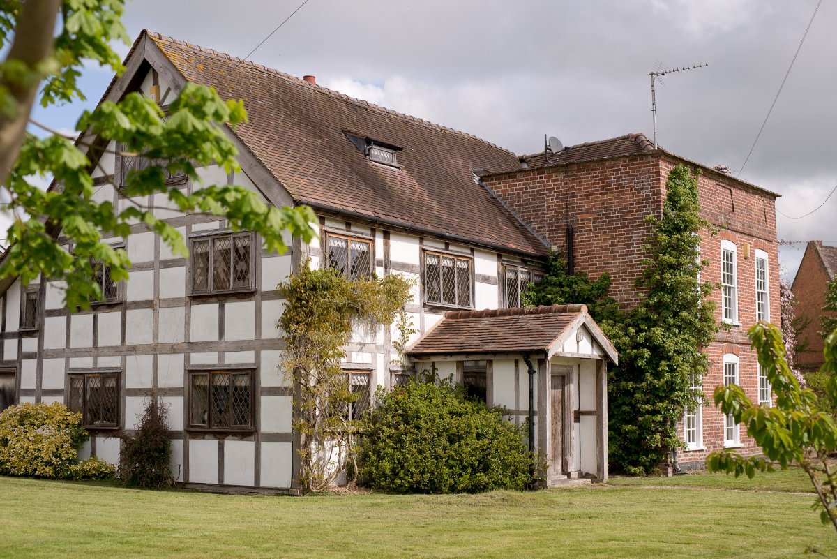 Large Country House Near Leominster Herefordshire