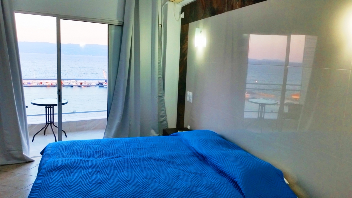 amarinthos girls Con airbnb, te sentirás como en casa donde vayas  the house is literately feet in the sea and it is situated in amarinthos a village near to famous,from ancient .