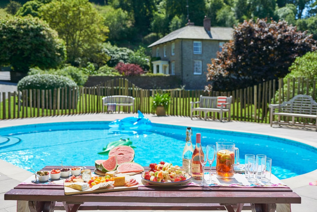 Country Cottages And Leisure Spa Near Dartmouth Devon