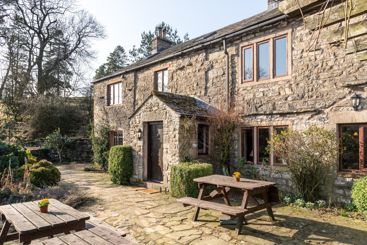 Fawcett Mill Converted Cottage For Large Group Holidays