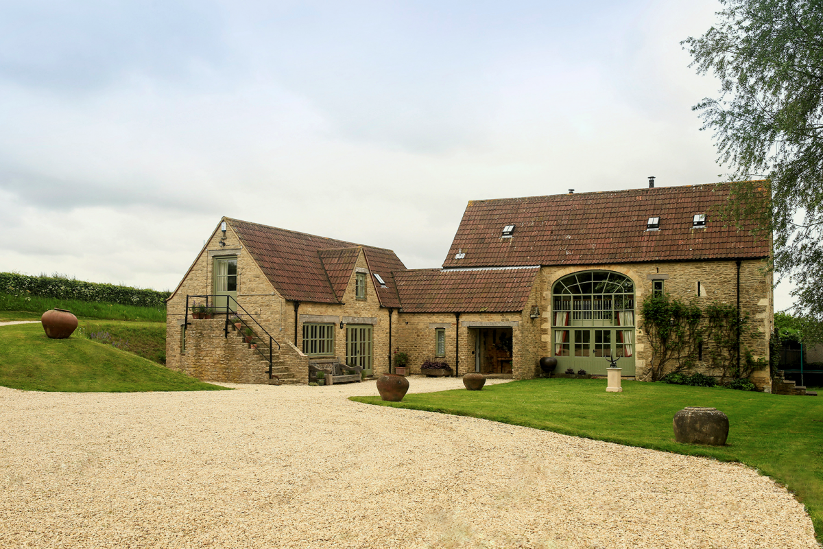 Gilboa barn wiltshire boutique luxury holiday house for Luxury barn homes