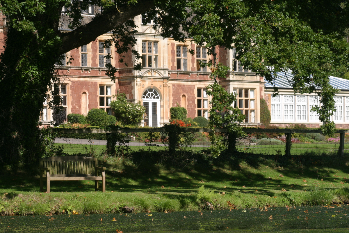 Knowle manor exmoor large house for celebrations - Holiday homes in somerset with swimming pool ...