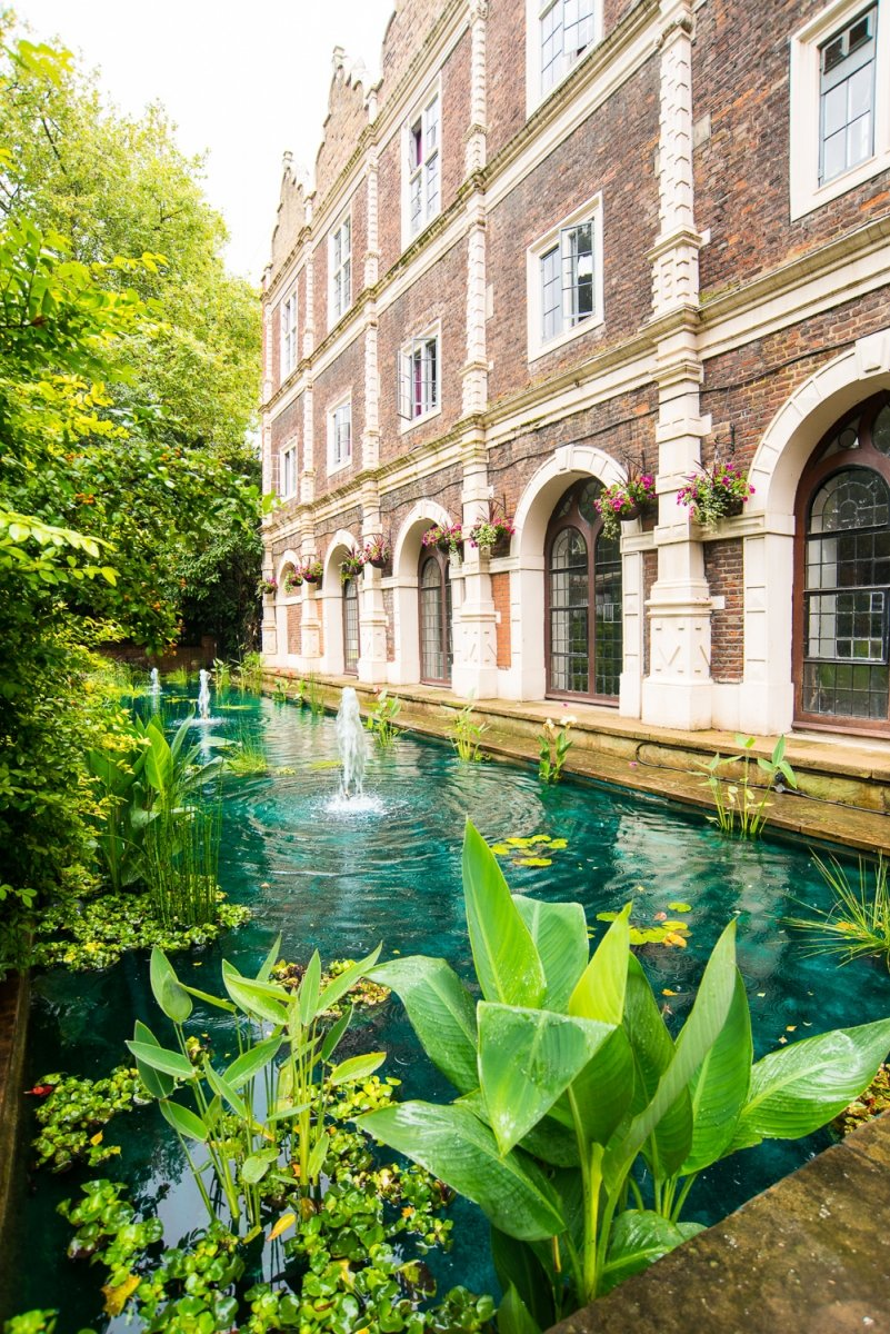 Safestay holland park youth group hostel central london - Campsites in holland with swimming pool ...