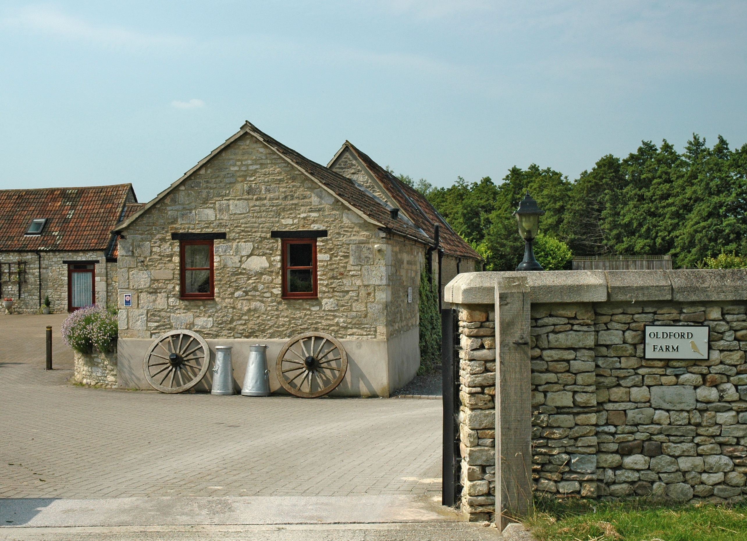 Oldford Farm Large Converted Farmhouse For Business Groups