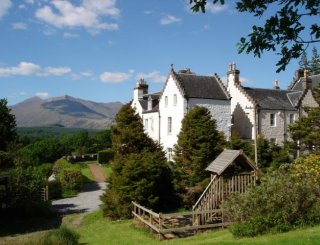 Ardbrecknish House next to Loch Awe & Ben Cruachan