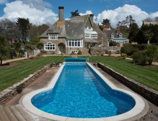 Luxury Seaside Holiday House In Torquay Devon