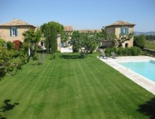 Lawn and pool-ideal for afternoon drinks