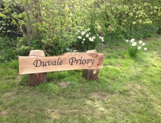 duvale entrance sign
