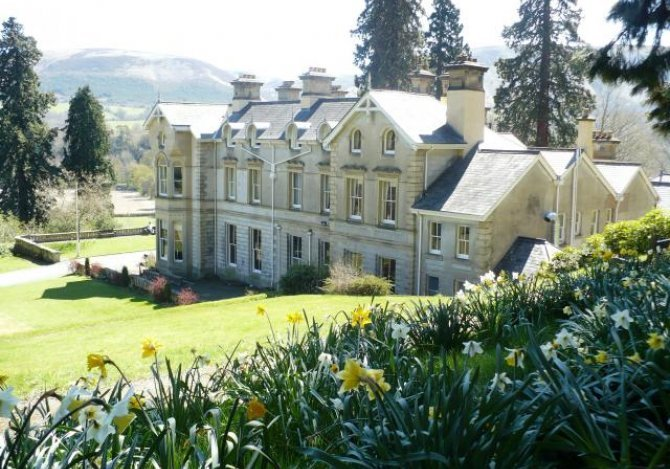 The house from the side looking towards Llandinam