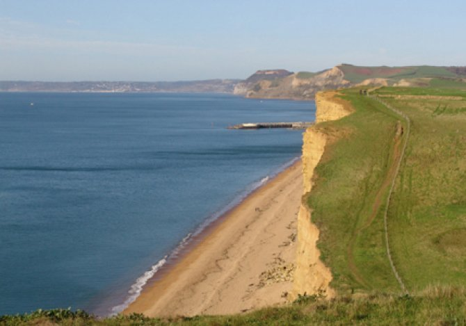 Cliff walk towards Ship Cottage - West Bay