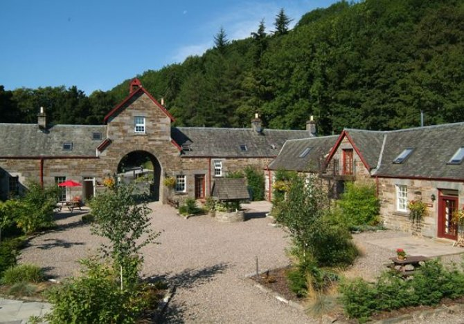 Mains of Taymouth Cottages - sleep 2-9