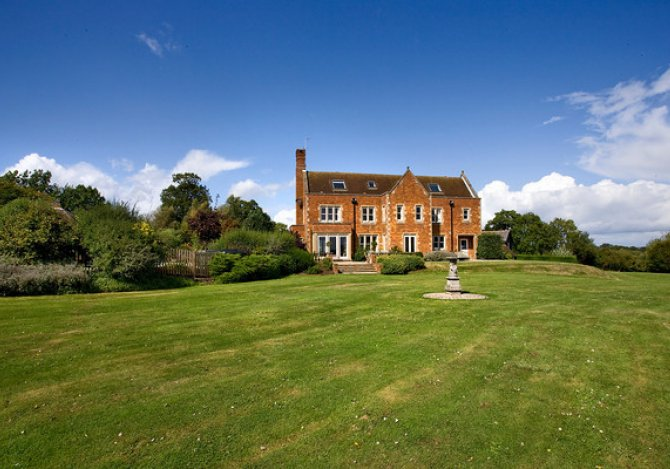 Great Oak Park | Beautiful Large Holiday House in Dorking