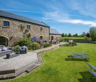 Large Holiday Houses in Barnard Castle   Group Accommodation