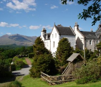 Ardbrecknish House next to Loch Awe & Ben Cruachan