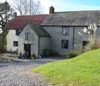 Trowley Farmhouse and yard for parking