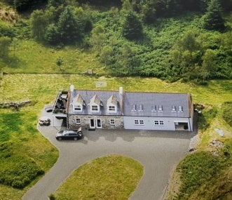 Superb Cottages With Hot Tubs Group Accommodation Download Free Architecture Designs Scobabritishbridgeorg
