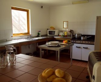 'Middle' Kitchen