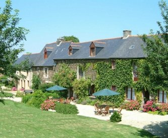 La Tarais Group Accommodation in Brittany