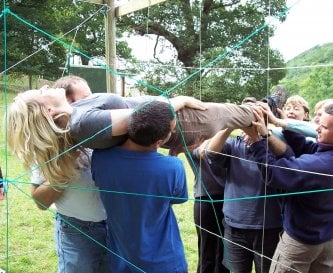 Team Build Spiders Web