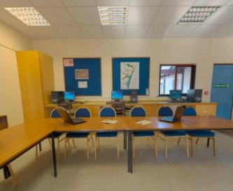 Classrooms with audio-visual equipmen