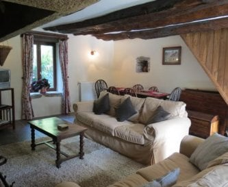 The lounge in Bishops Well Cottage
