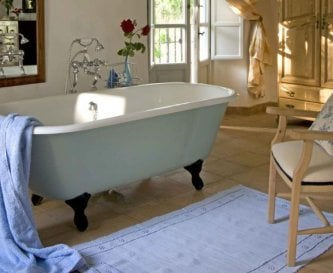 Roll top bath in bedroom 1
