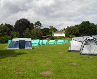 Camping options are available (7 campsites)
