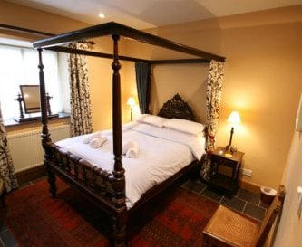 Coach House Four Poster Bedroom