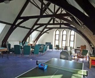 Large hall for relaxation, TV, pool & table tennis