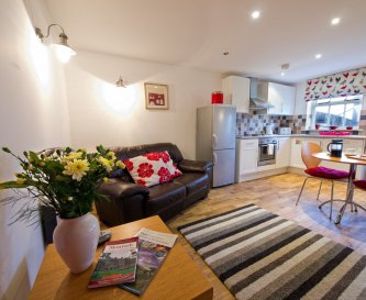 Derby Cottage is our cosy cottage for couples!
