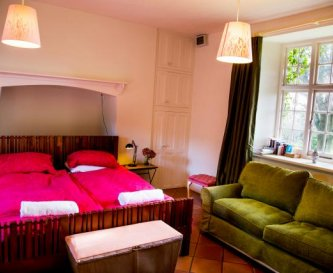 Ground floor spacious disabled friendly bedroom