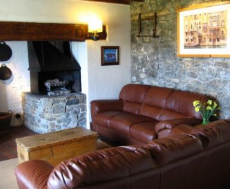 Farm House Self Catering Cottage Lounge