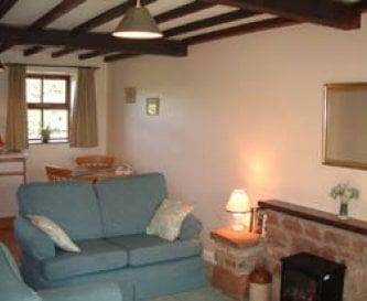 Hayloft Cottage - Living room
