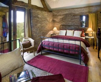 Holt Barn family bedroom