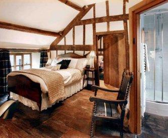 Holt Farm House bedroom and en-suite shower room