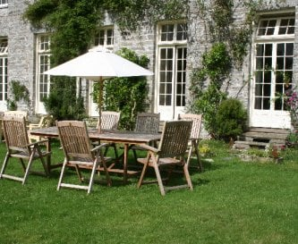 Front lawn fenced area