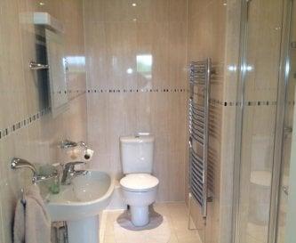 The en suite shower room for the twin bedroom.