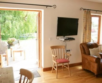 Elms Farm wheelchair access to Cottages
