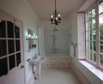 Marquise bathroom