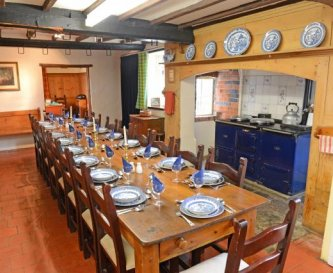 Kitchen/Diningroom seating up to 18 with Aga