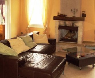 Maisonette - Living room with open fire place
