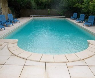 Le Manoir's private pool
