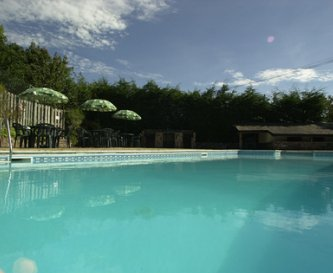 The outdoor heated swimming pool open May to Sept