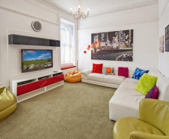 50inch TV, Sky HD & gaming, loads of movies