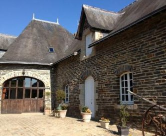 Spacious  Lodge,situated in grounds of chateau
