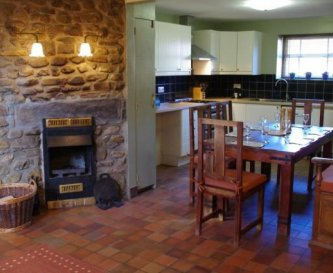 Y Stabl Self Catering Cottage Kitchen Dining