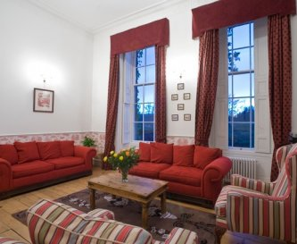 Red reception room - very comfortable!