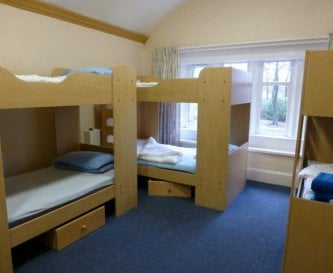 6 person dorm with bunks