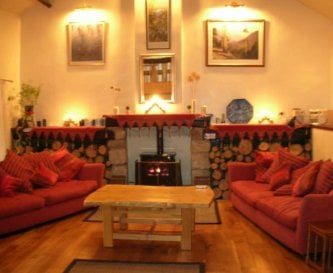 large sitting room, ideal party room