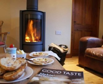 Elms Farm Holiday Cottages, Yew Cottage